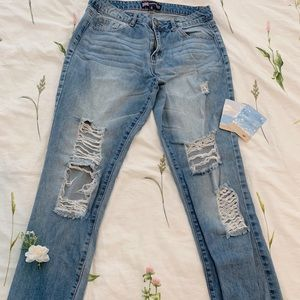👖2 for $15 Papaya distressed blue jeans